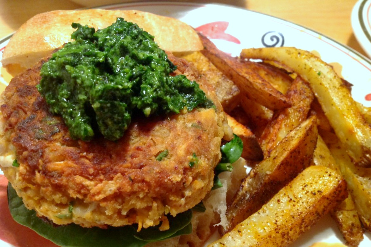 Mozzarella Stuffed Cannellini Burgers with Spinach Pesto [Vegan, Gluten-Free]