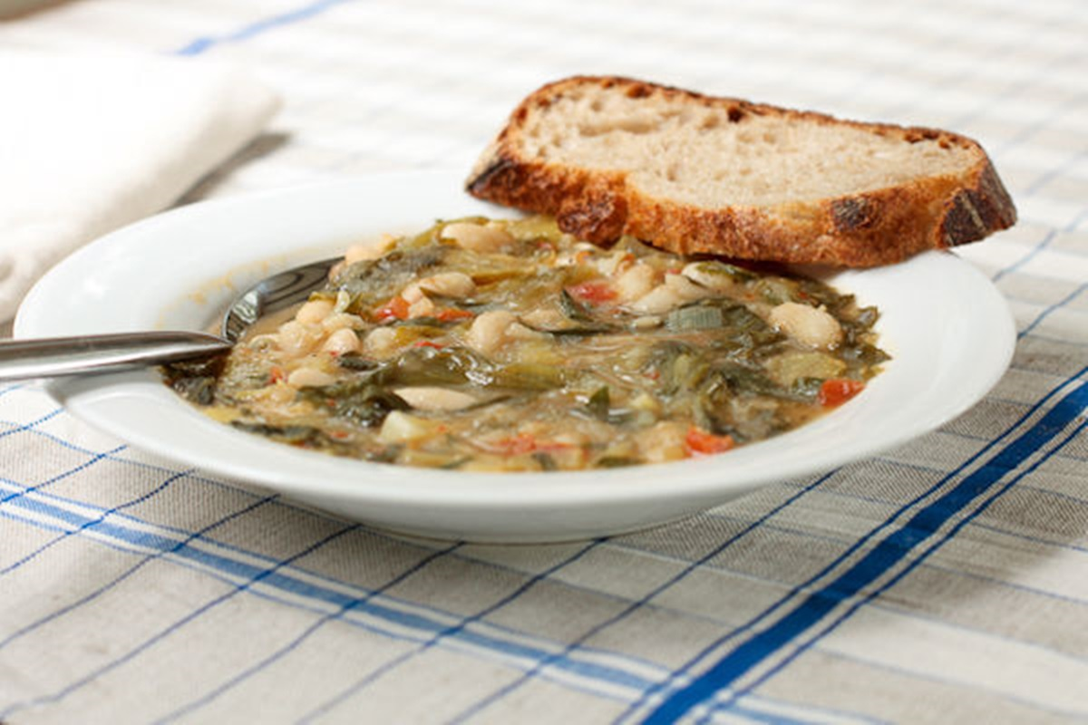 escarole-and-white-bean-soup_1