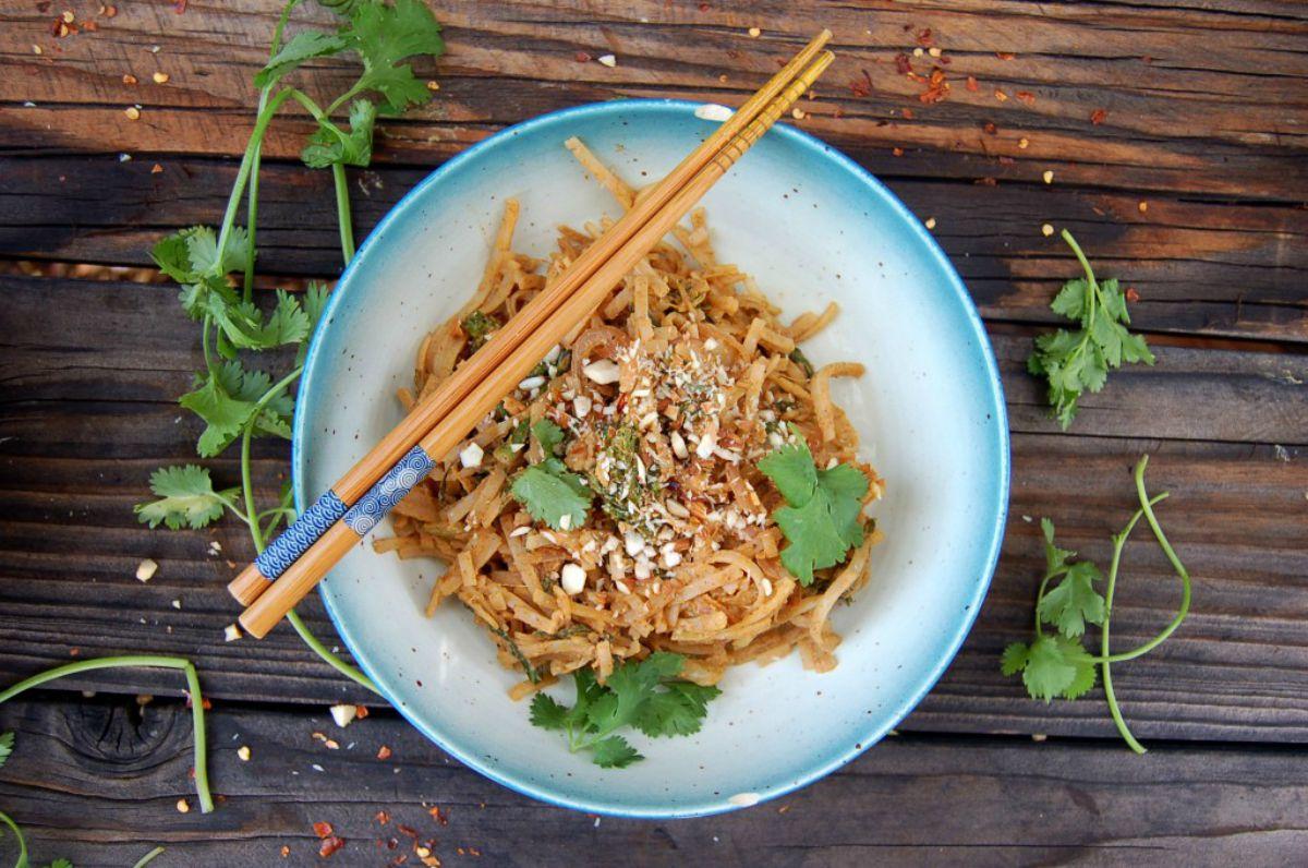 Almond Ginger Pad Thai [Vegan]