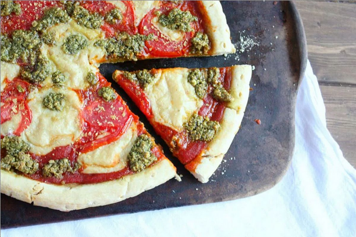 Margherita Pizza with Fresh Basil Pesto and Mozzarella [Vegan]