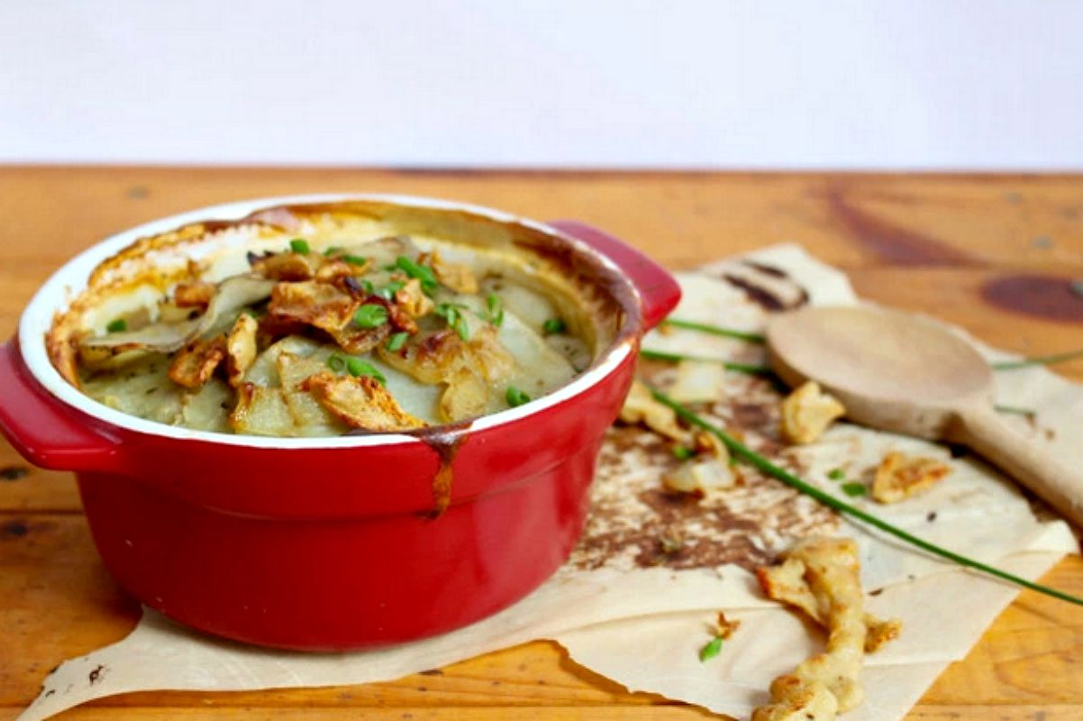 Scalloped Potatoes With Seitan Bacon [Vegan]