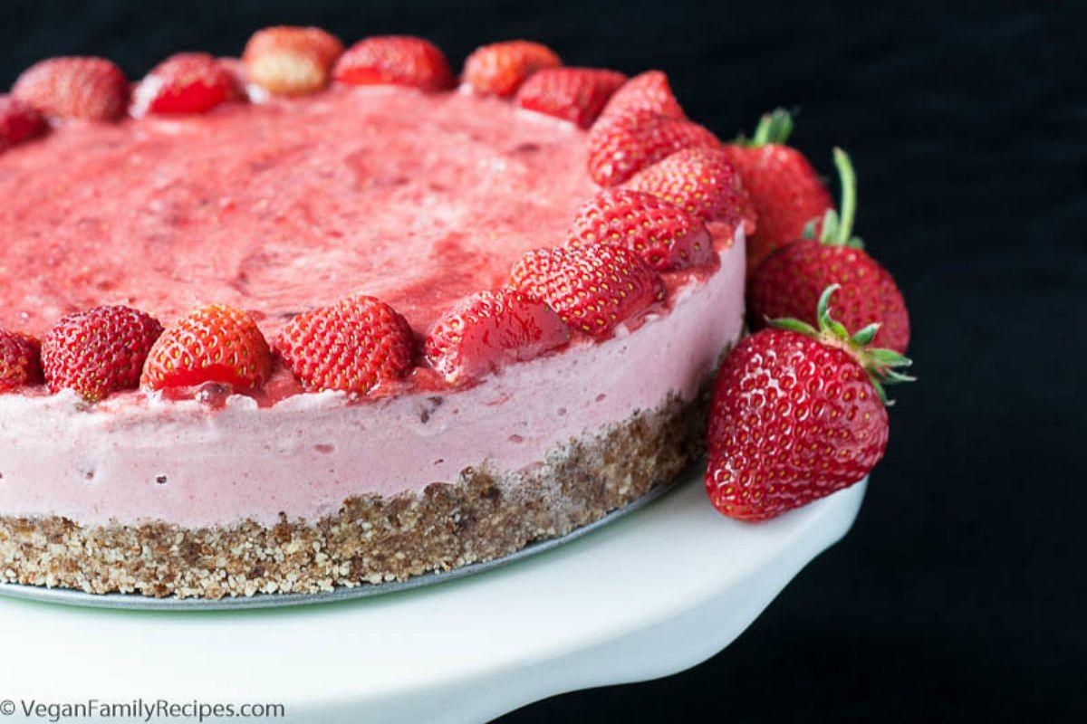 No-Bake Strawberry Ice Cream Cake [Vegan, Gluten-Free]