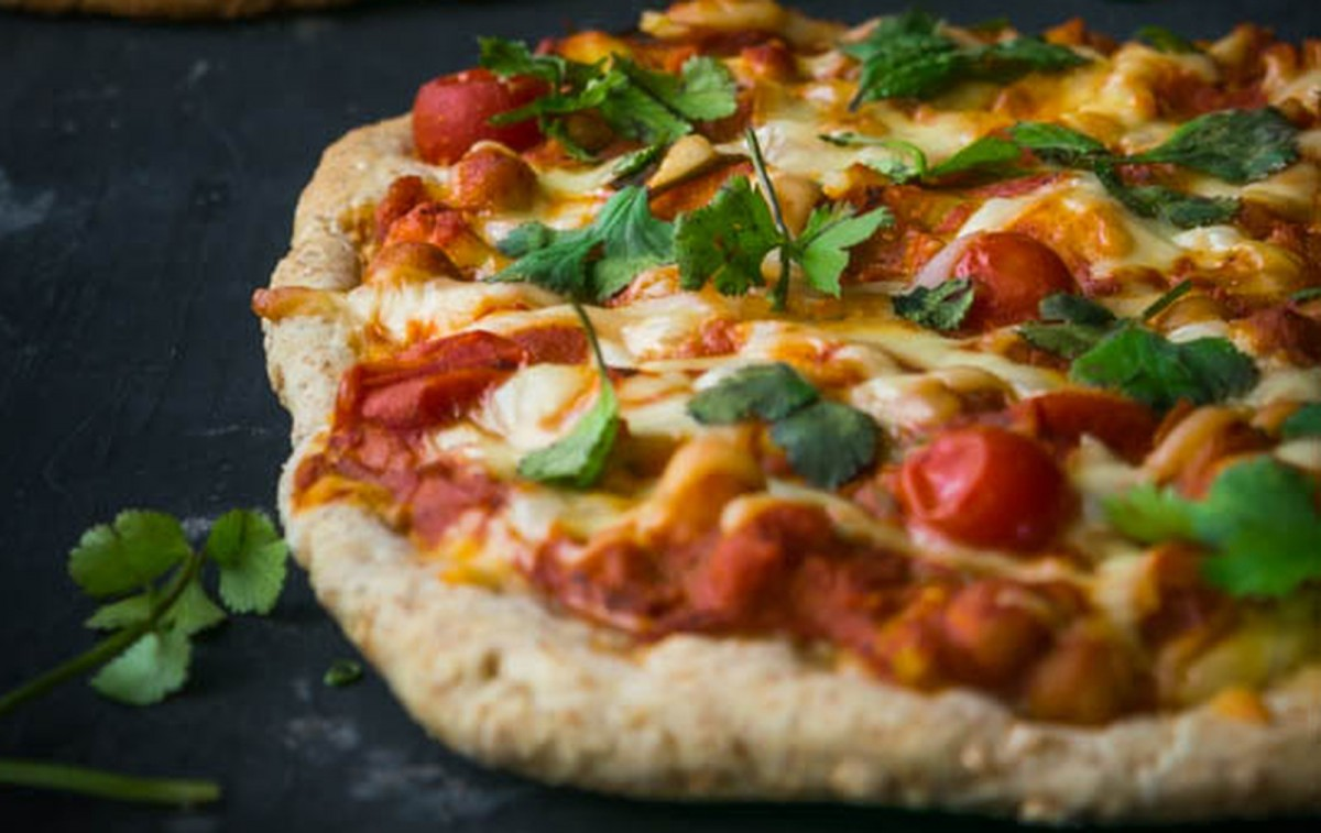 Indian Tikka Masala Pizzas [Vegan]