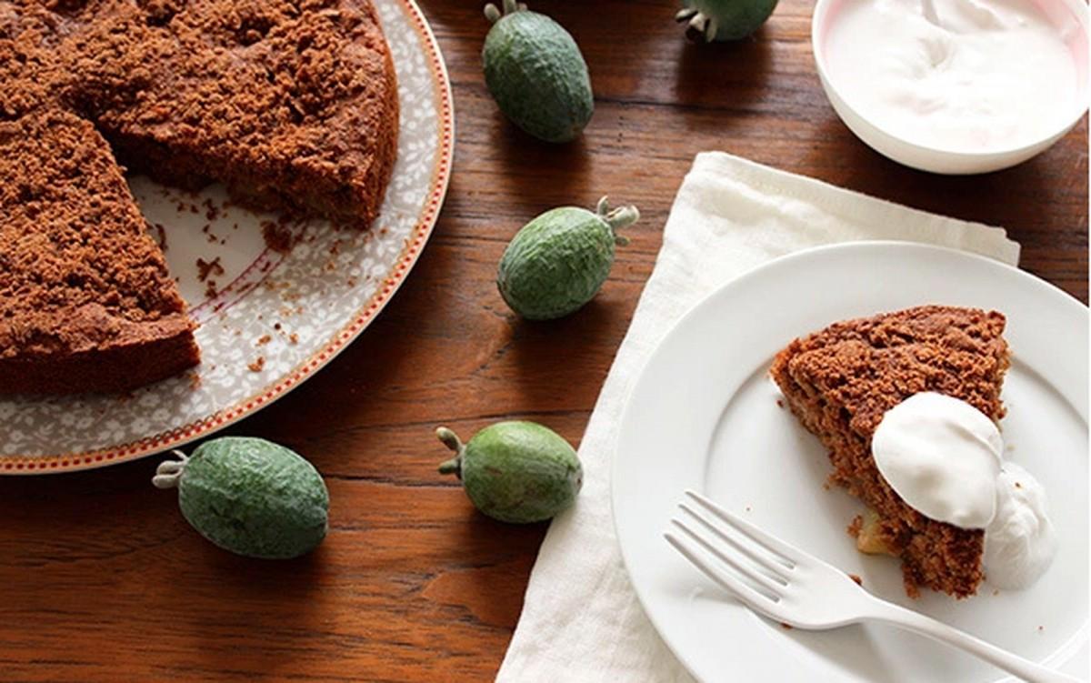 Apple, Ginger, and Fejoa Cake [Vegan]