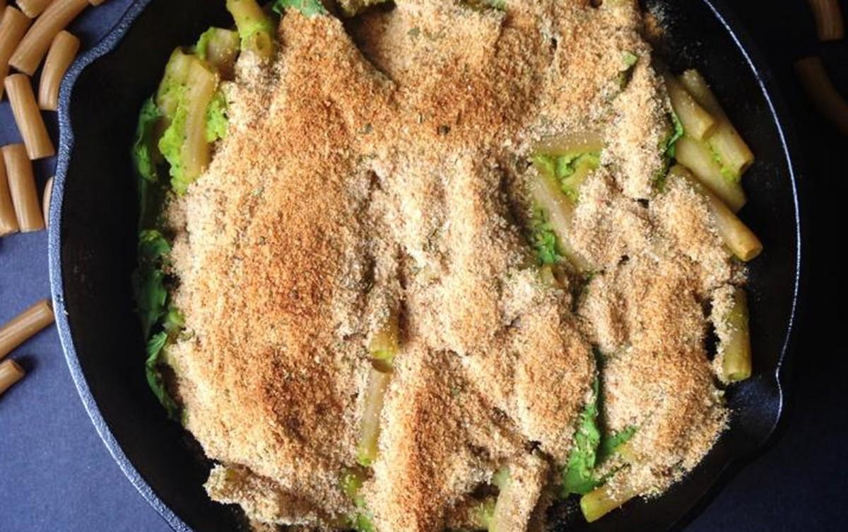 Creamy Baked Skillet Spinach Pasta [Vegan, Gluten-Free]