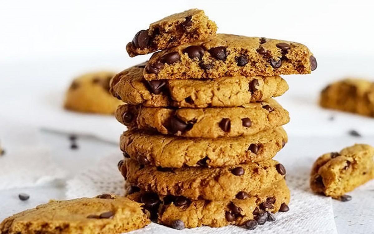 Big Chocolate Chip Pumpkin Spice Cookies [Vegan]