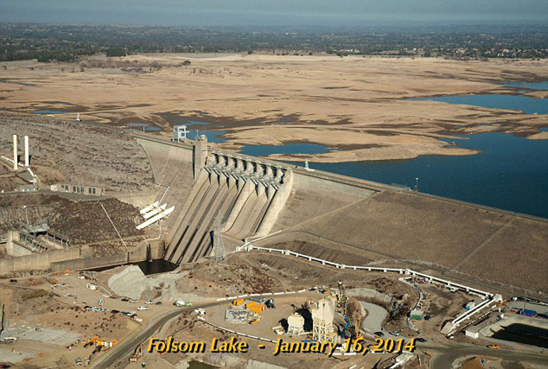 Shocking Time Lapse Video Shows California Lake Disappearing Before Our Eyes Because of Drought