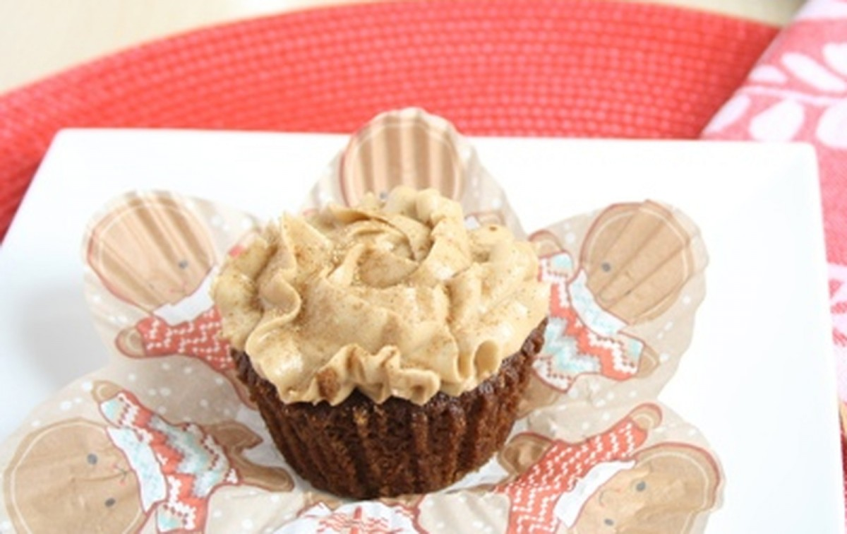 Gingerbread Latte Cupcakes [Vegan]