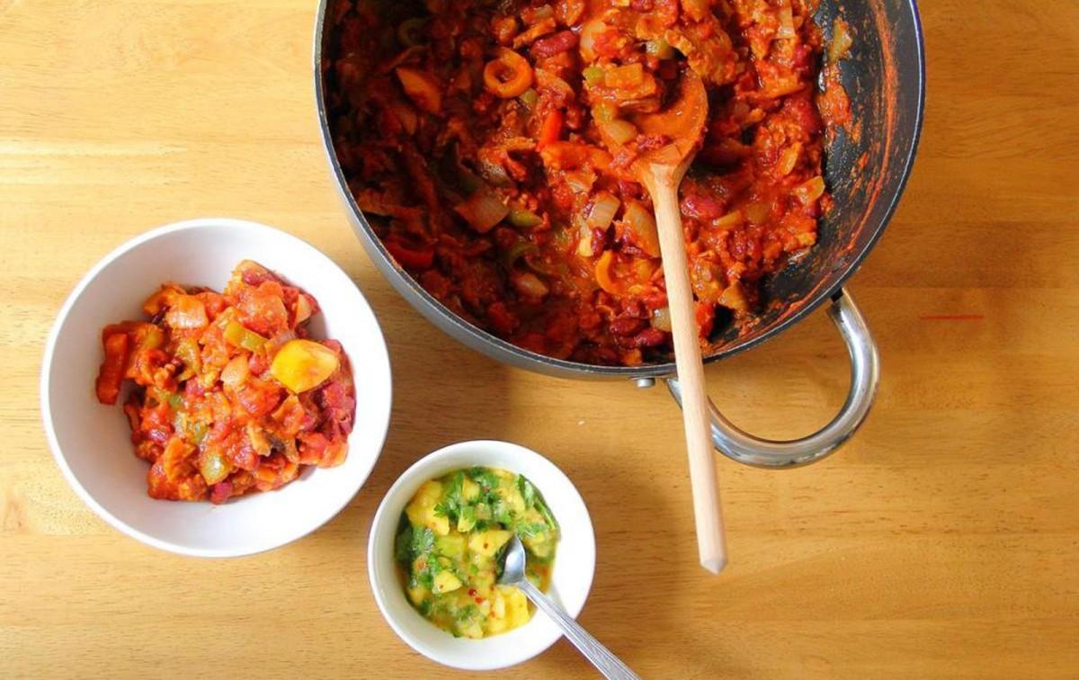 Unbelievably Simple One Pot Seitan Chili [Vegan]