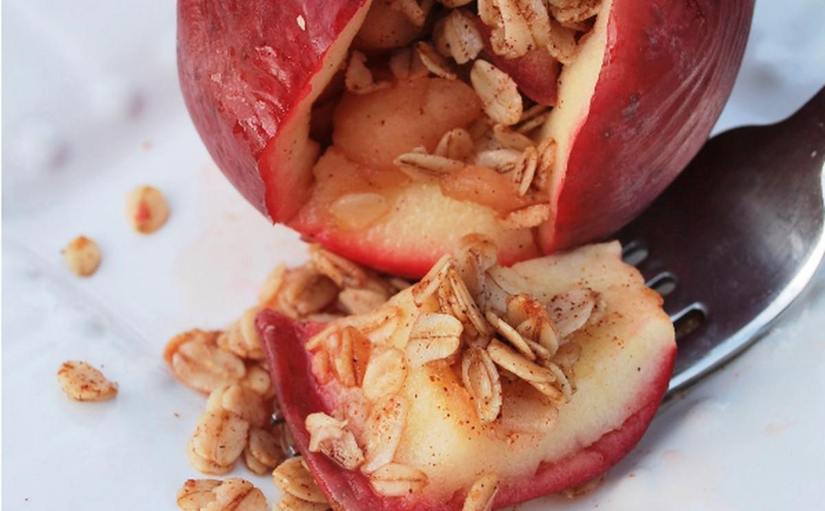 Apple Pie Stuffed Apples [Vegan]