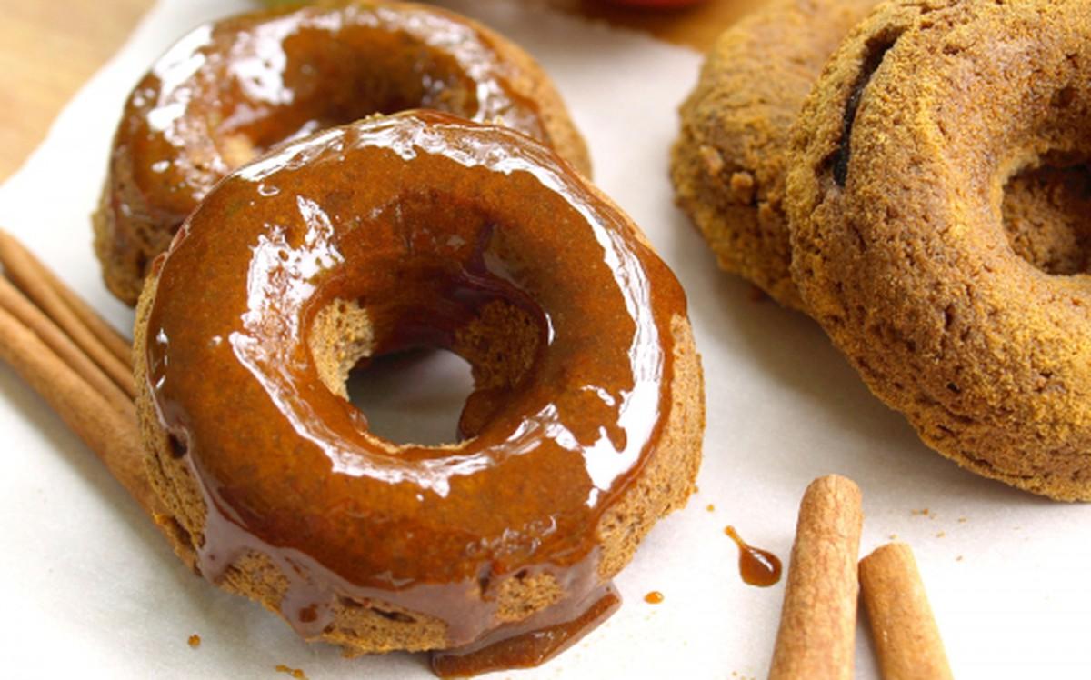 Spiced Apple Doughnuts With Apple Cider Glaze [Vegan, Gluten-Free]