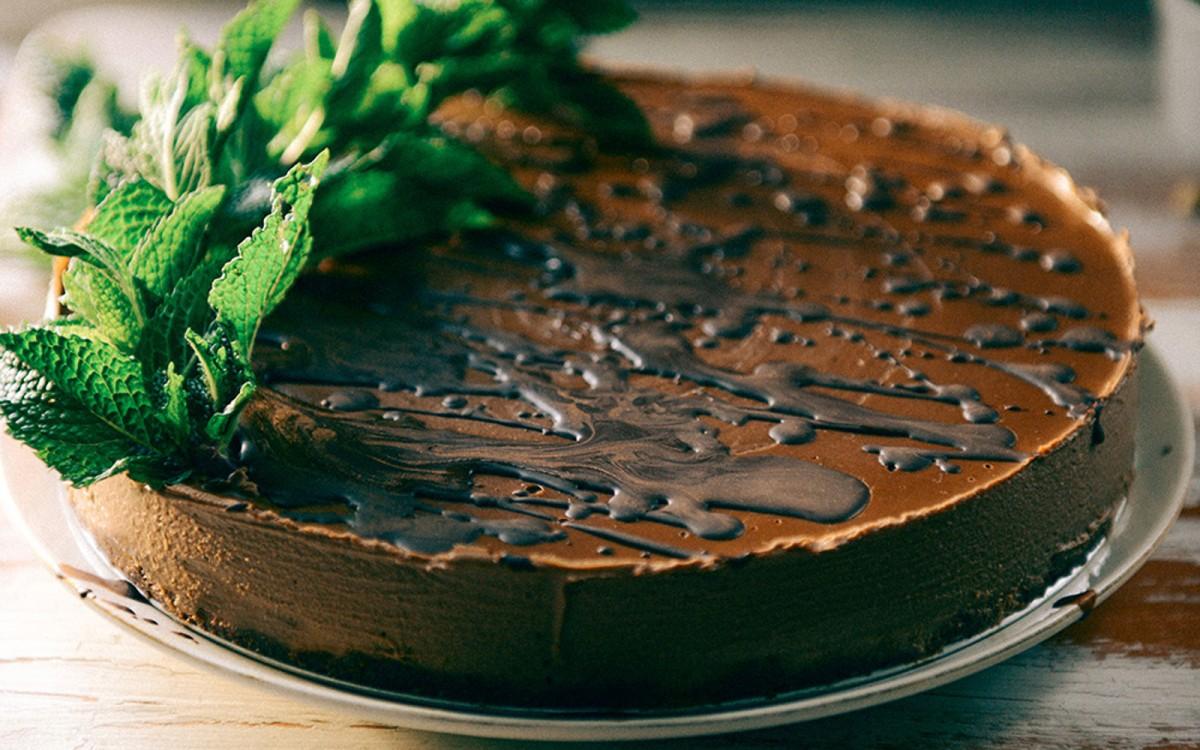 No-Bake Cashew Chocolate Mousse Cake With Fresh Mint