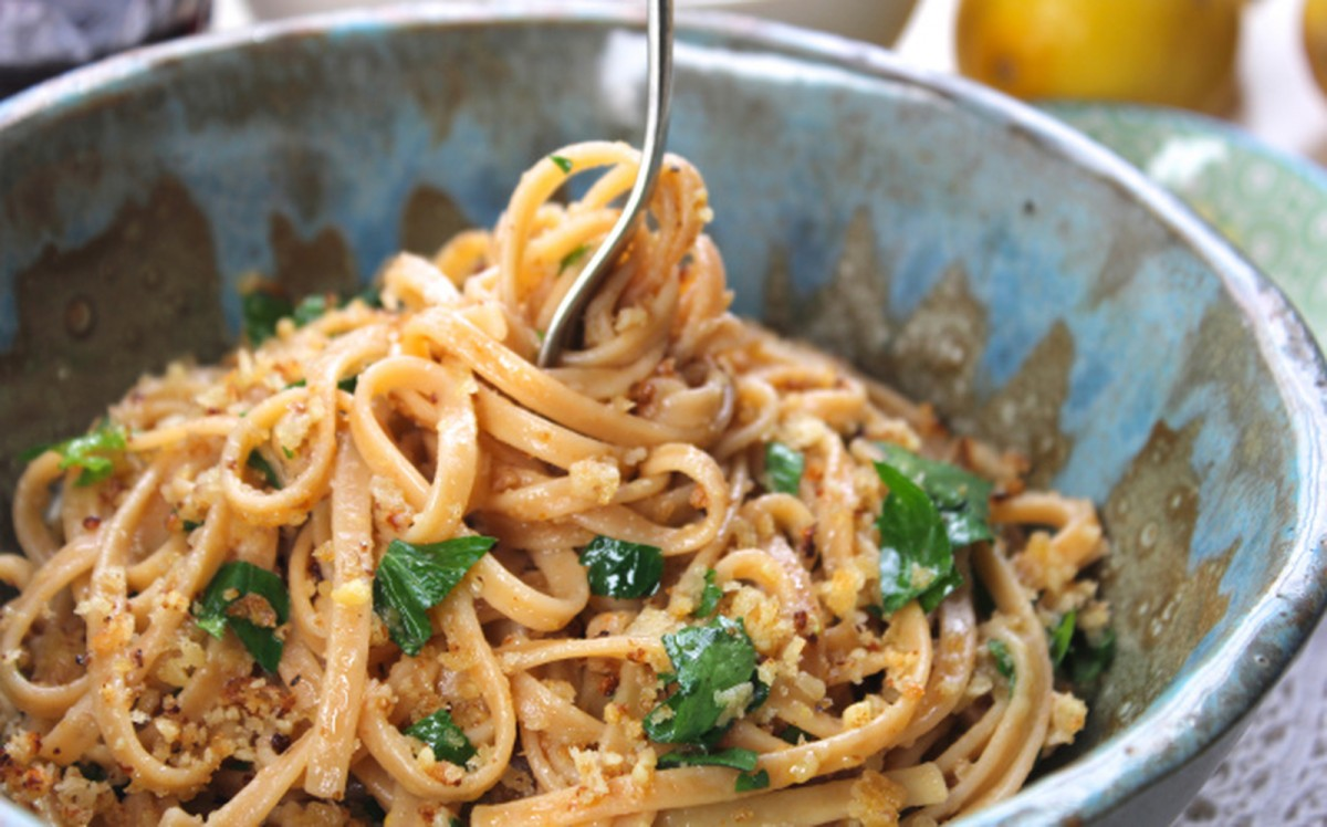 Lemon and Walnut Linguine With Roasted Broccoli [Vegan]