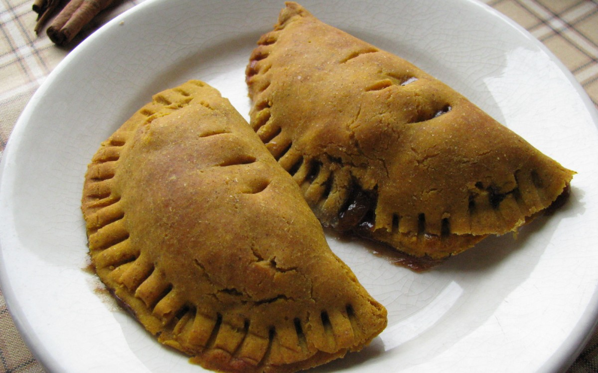 Pumpkin Spice Empanadas With Apple Cinnamon Cranberry Filling [Vegan, Gluten-Free]