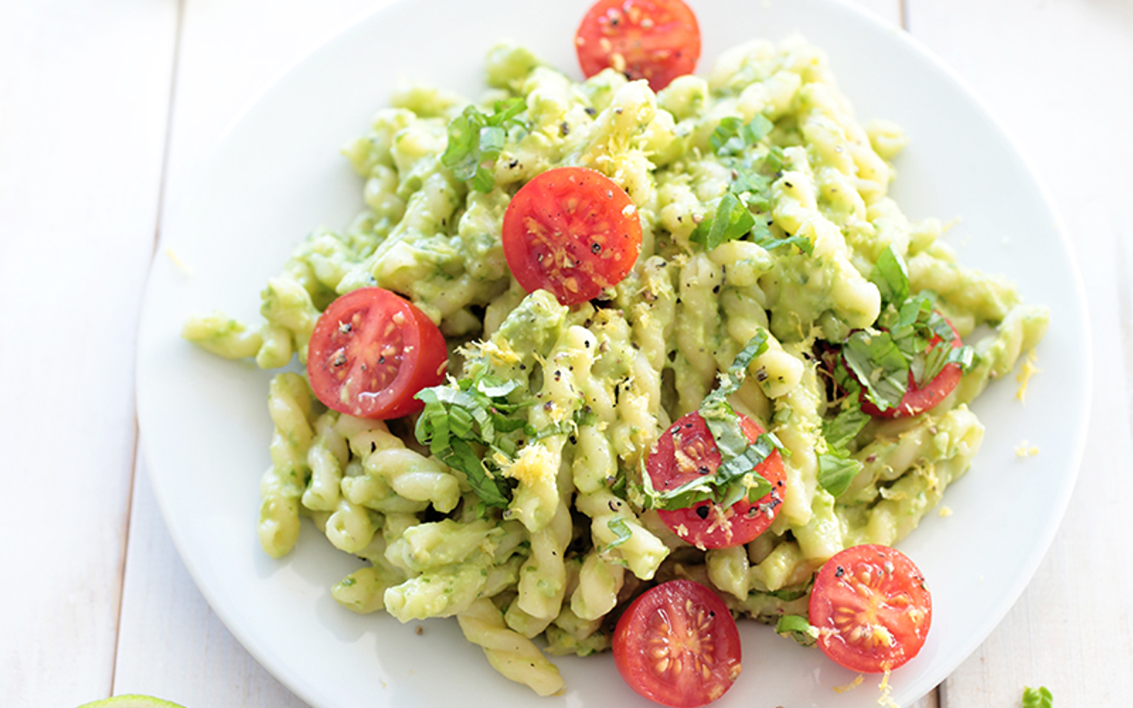 avocado pasta with cherry tomatoes