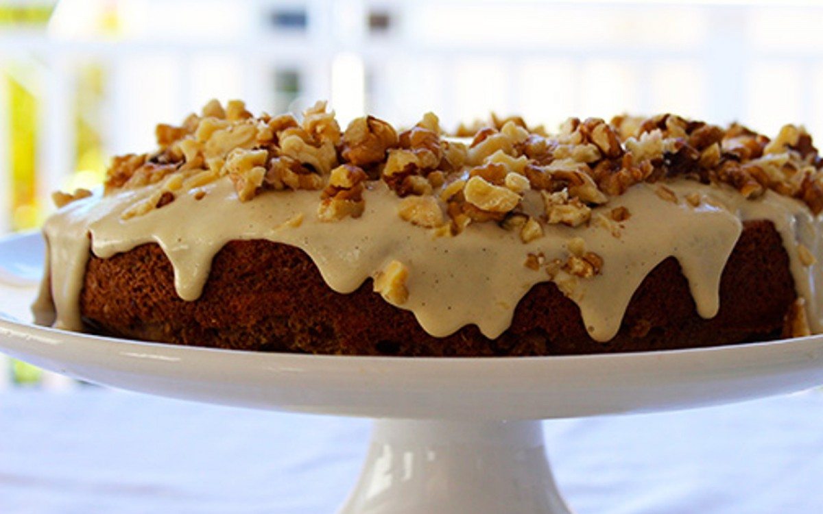 Walnut Carrot Cake With a Maple-Cashew Frosting