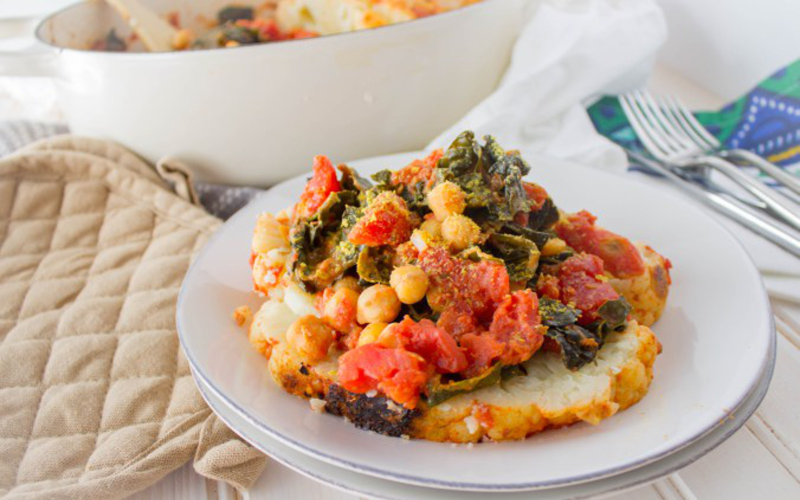Braised Cauliflower With Chickpeas, Tomato, and Kale
