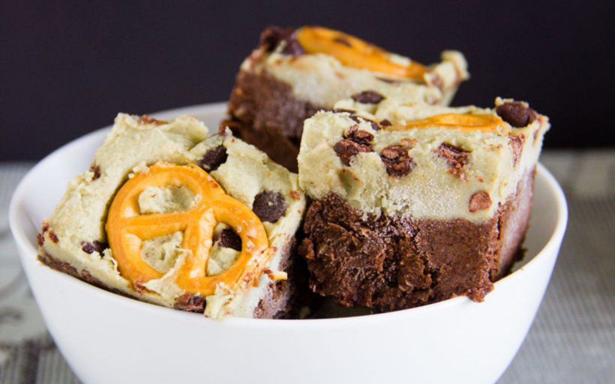 Creamy Chocolate Turtle Squares
