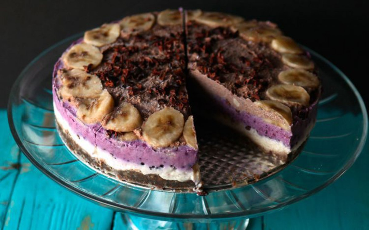 Raw Banana Split Ice Cream Cake