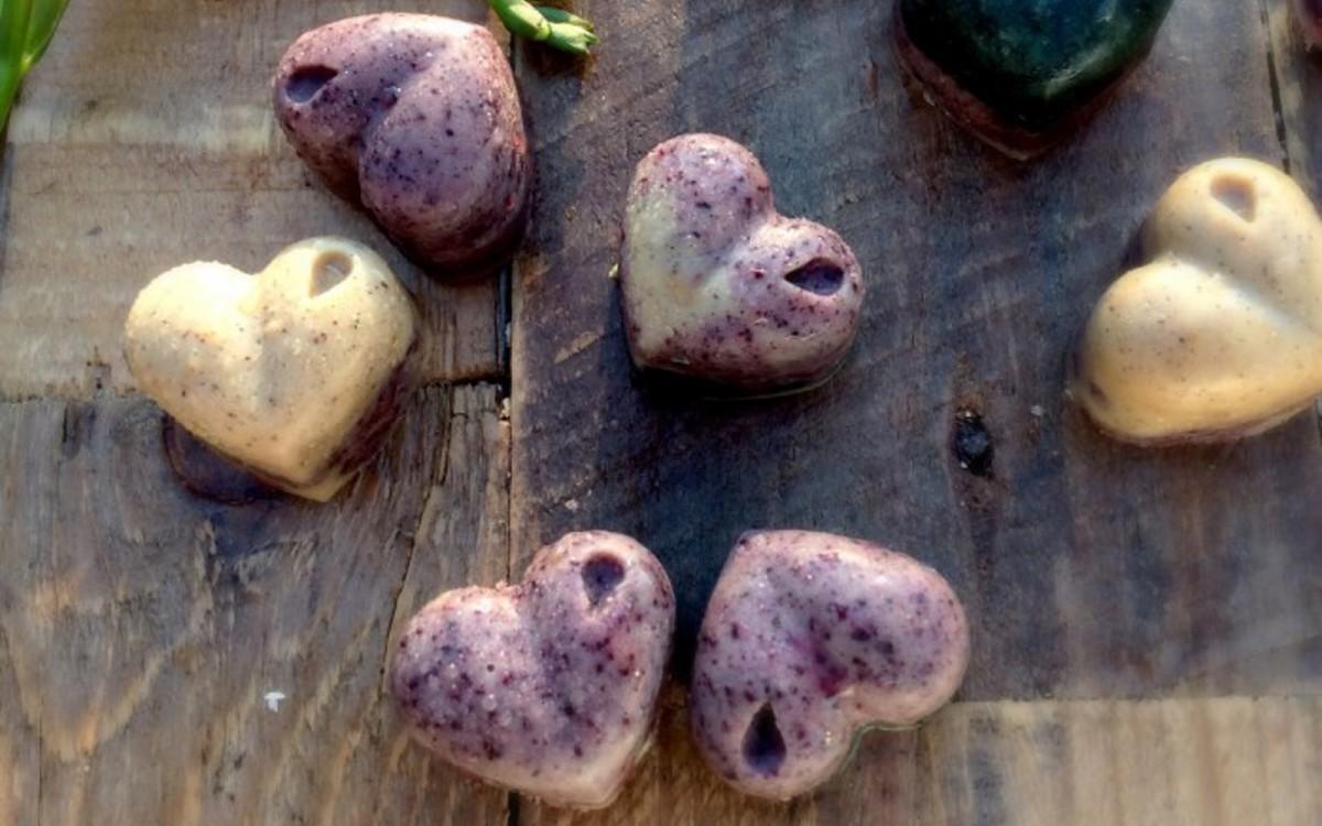 Blueberry Spirulina Chocolates 1