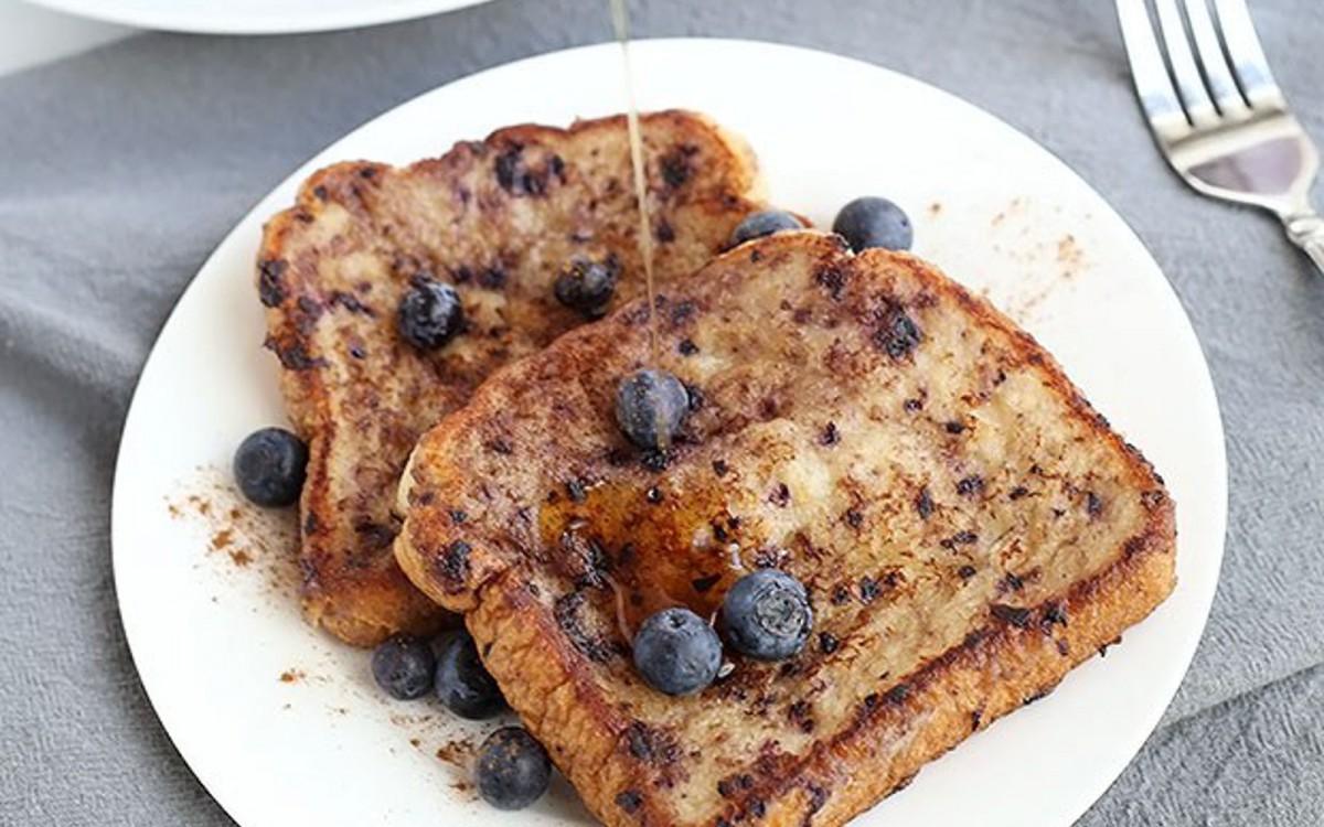Healthy Blueberry Banana French Toast
