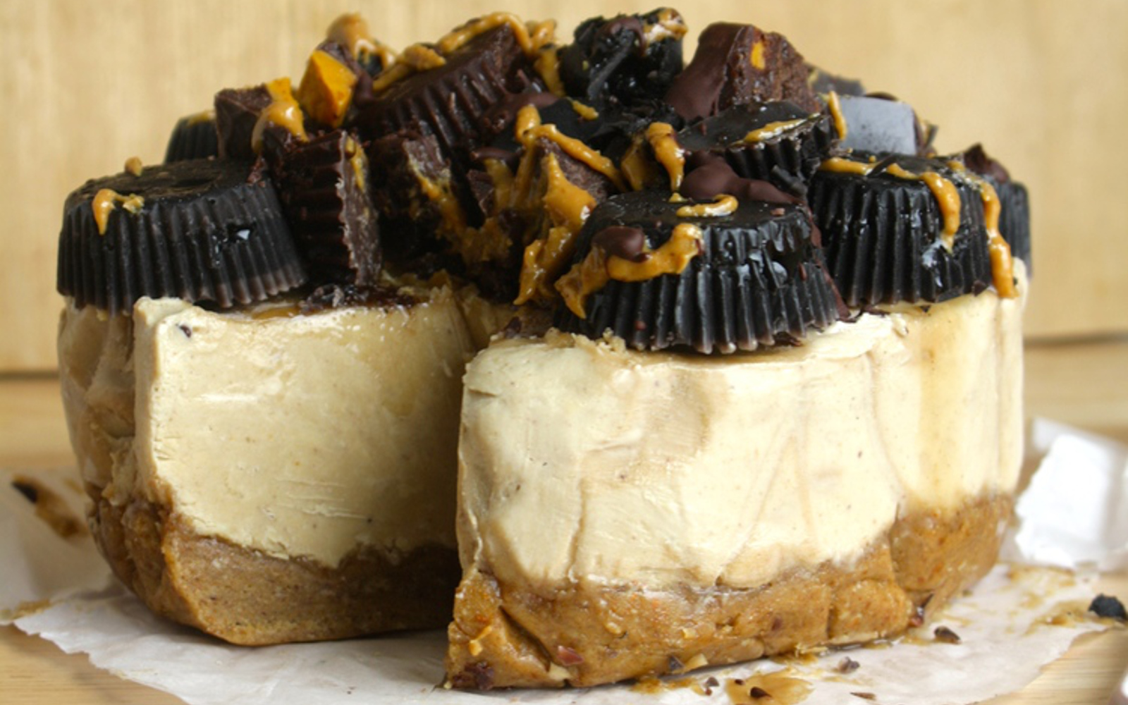 peanut butter banana cheesecake