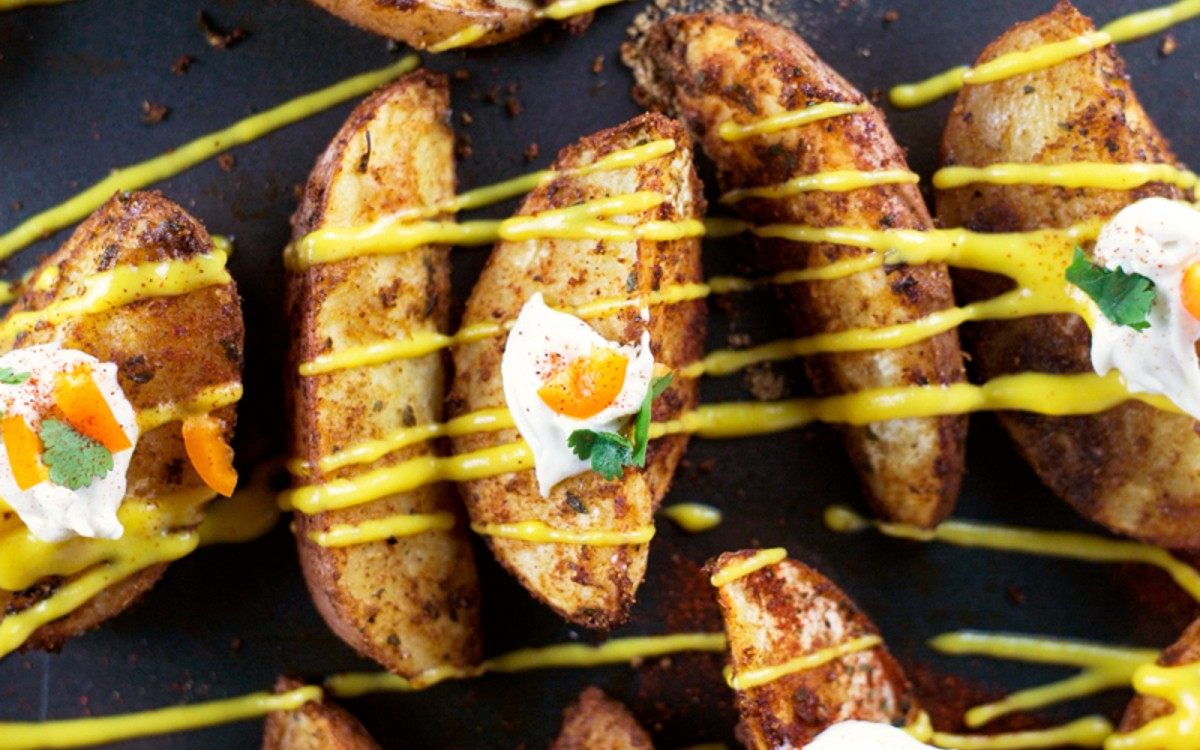 Spicy Potato Wedges With Nacho Cheese
