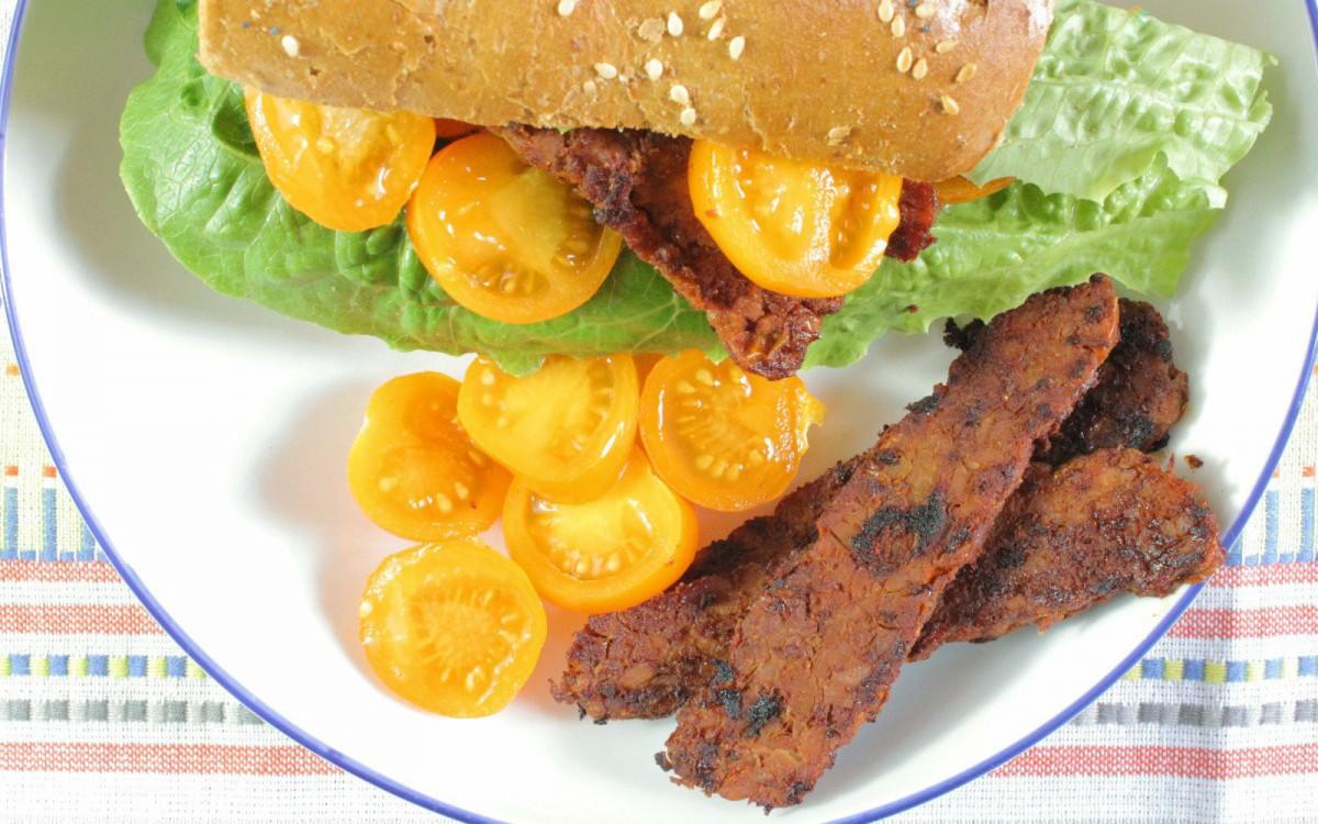 Tempeh Bacon Sandwich 3