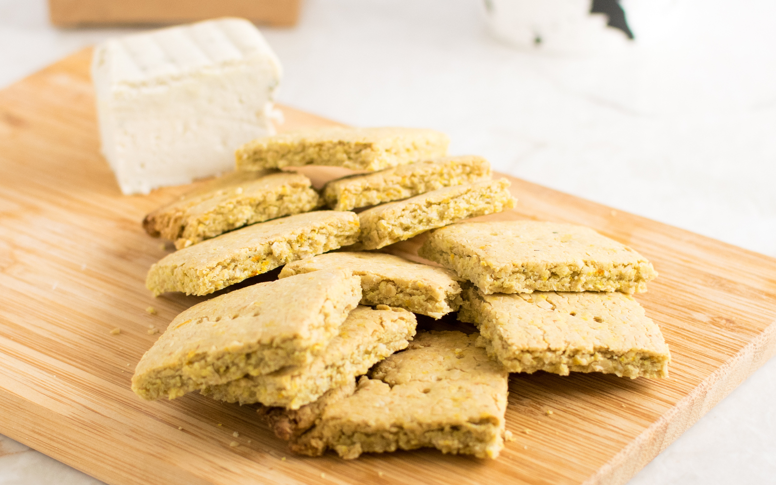 turmeric oat crackers