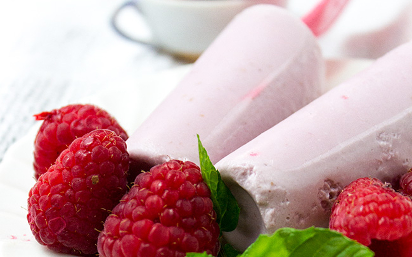 raspberry pudding pops