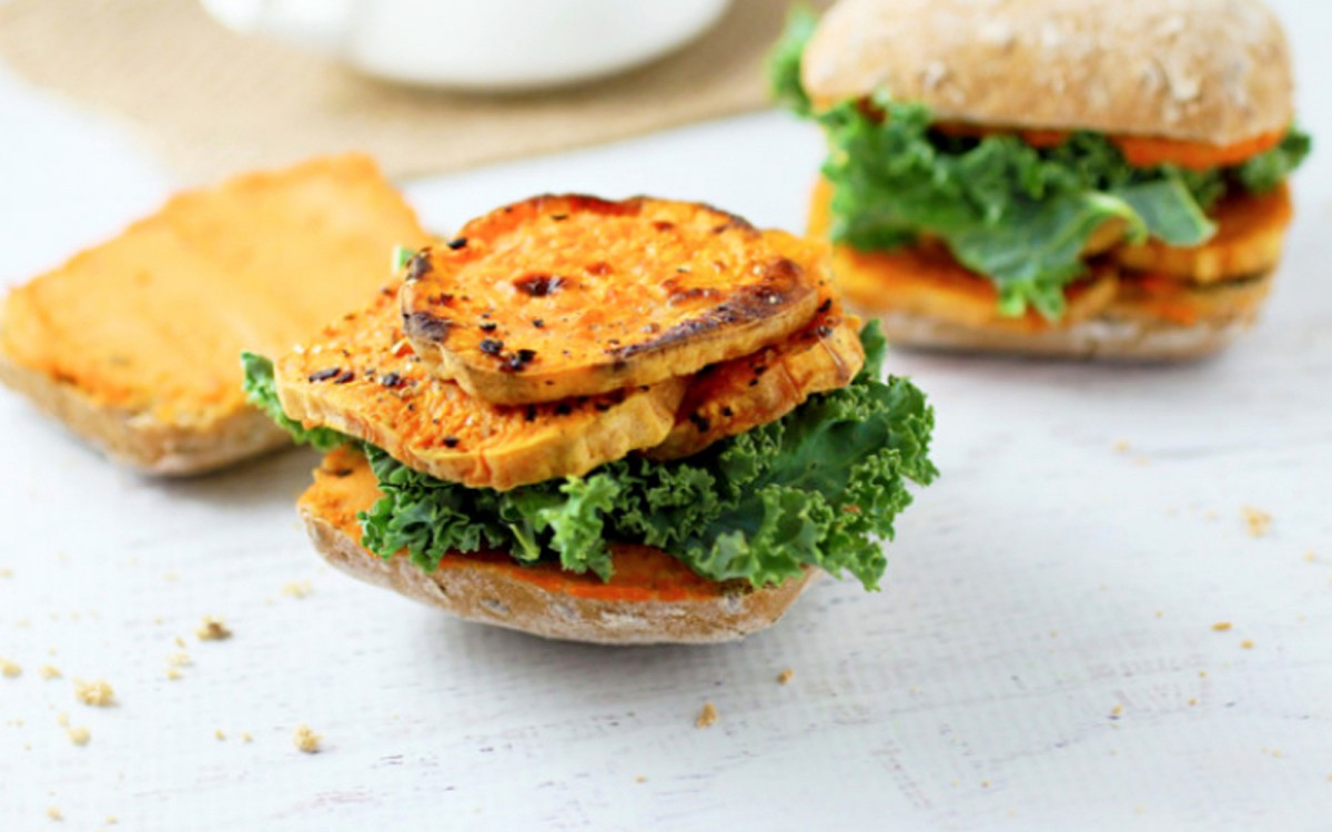 Roasted Red Pepper Hummus and Sweet Potato Sandwich