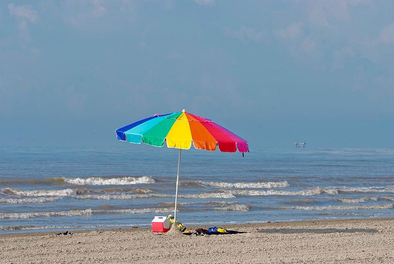 800px-Beach_umbrella,_Texas_(5984381495)