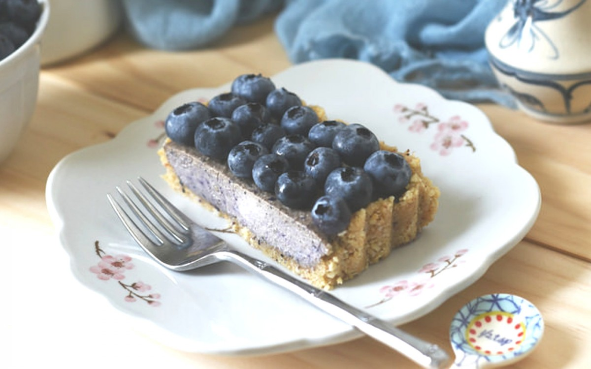 Raw Blueberry Coconut Tart