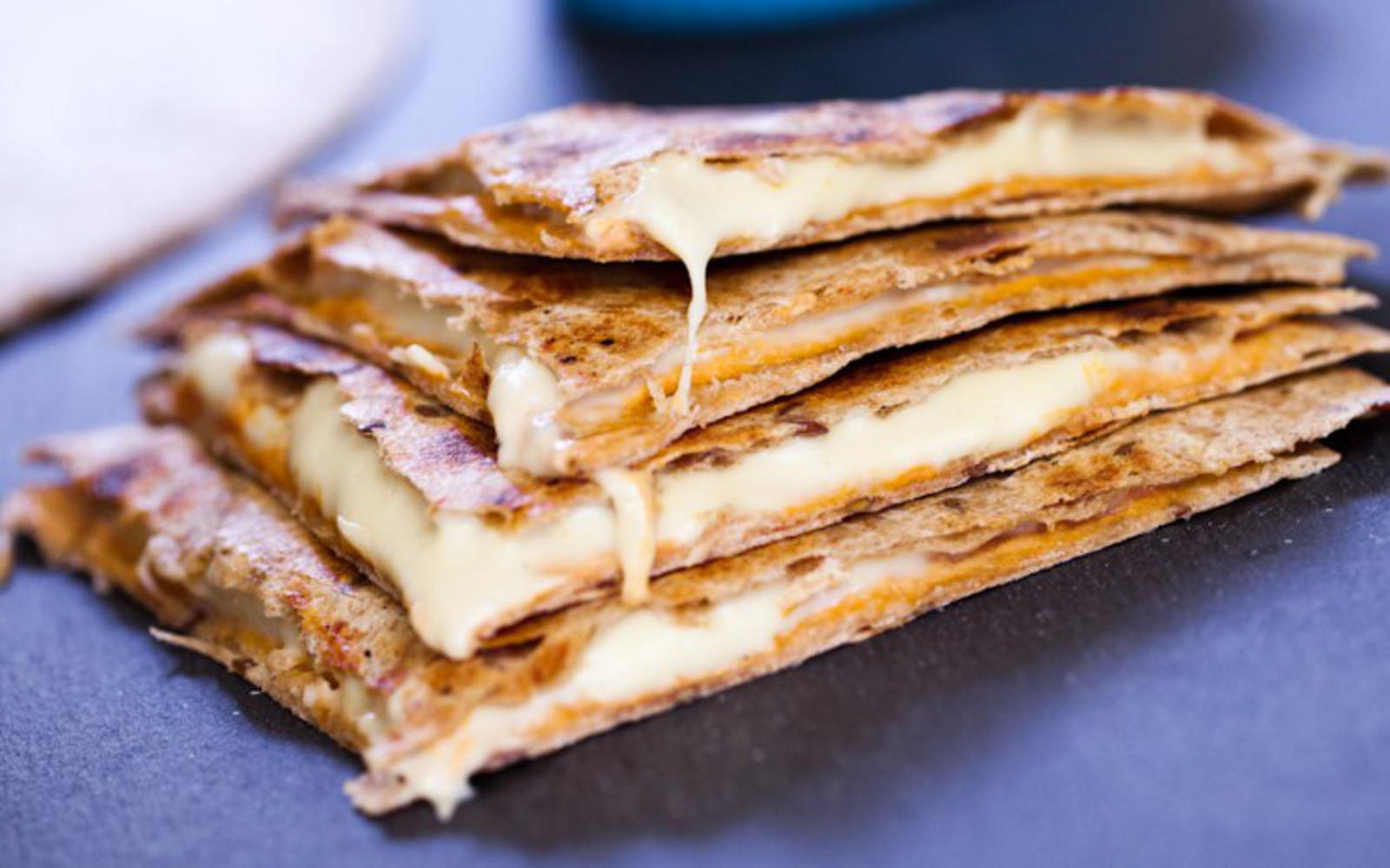 quesadillas with cashew mozzarella