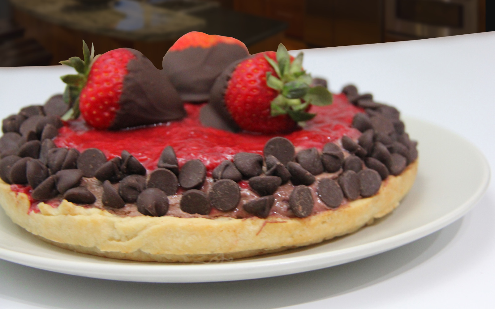 strawberry chocolate jam mouuse pie