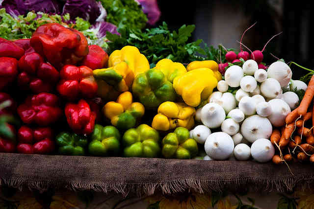 10 Great Tips for Saving Money with Raw Food