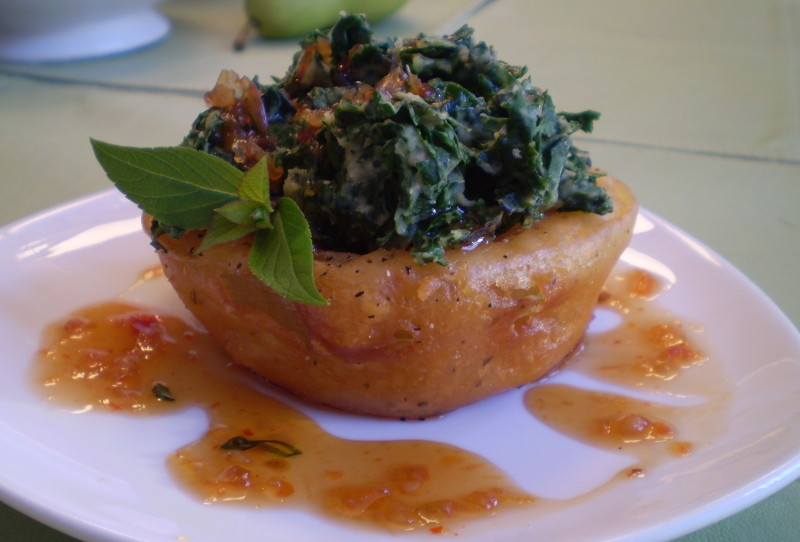"""Recipe: Ruth's Chris Tempura Onion Ring Cups with """"Creamed"""" Kale"""