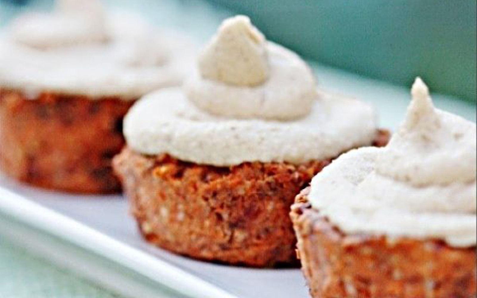 Raw Carrot Cake Cupcakes with Cream Cheese Frosting