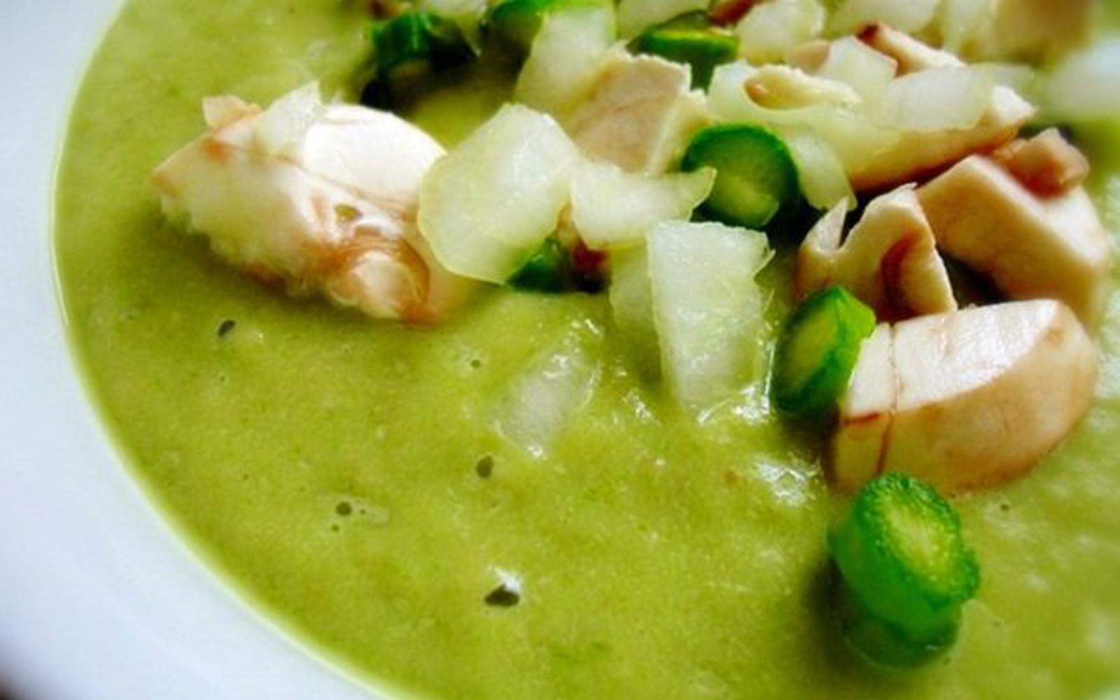 Raw Asparagus Soup
