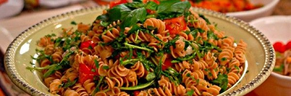 Recipe: Rotini with Fresh Arugula and Tomato Sauce