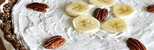 Recipe: Raw Chocolate Banana Pie with Whipped Coconut Cream