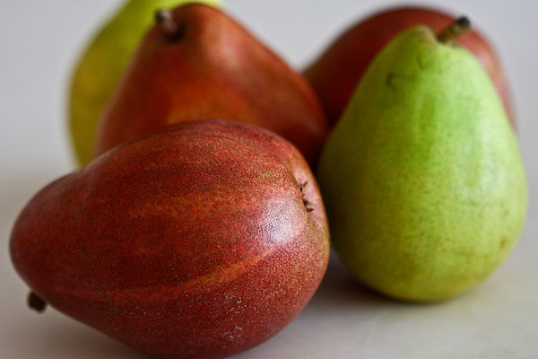 All About Pears: Varieties, Health Benefits and Recipes!
