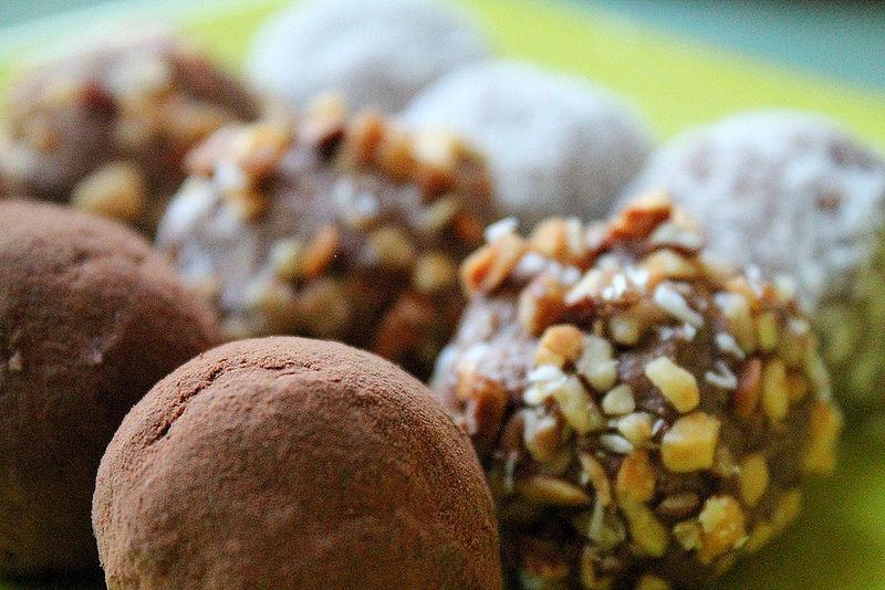 10 Yummy Sweet Raw Treats You Can Buy