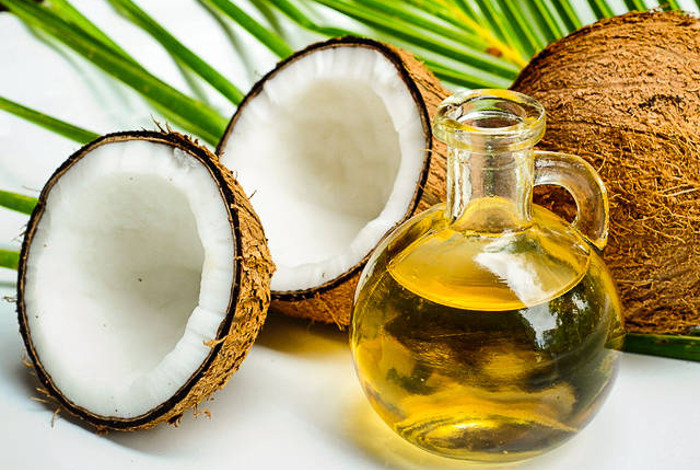 Top 5 Everyday Uses for Coconut Oil (with Product Picks)