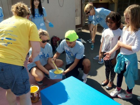 5 Ways You Can Volunteer When You're Short on Time