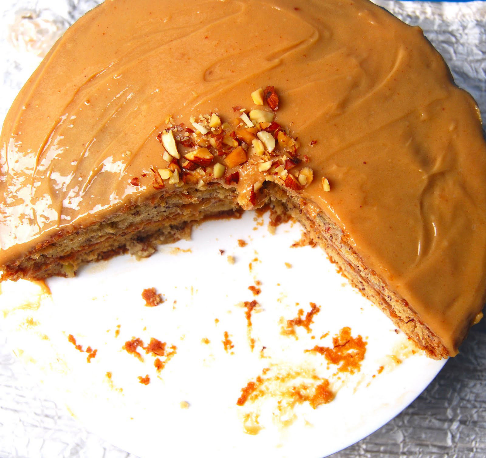 Banana Cake With Peanut Butter Frosting (Vegan)