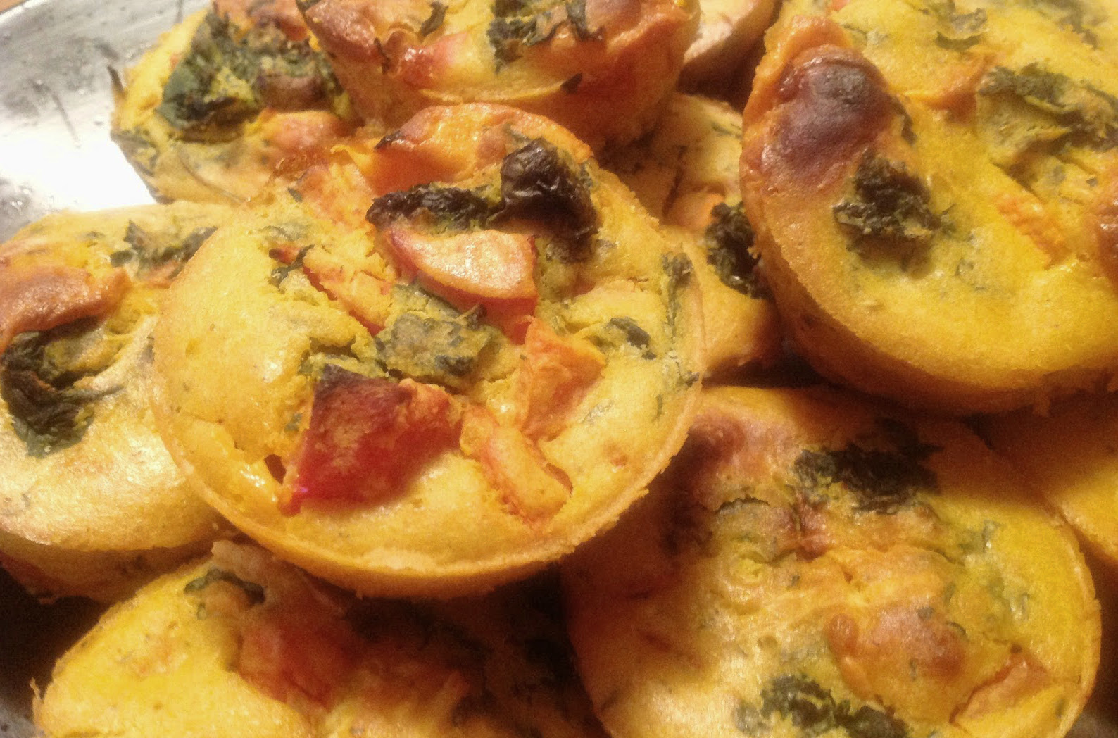 Spinach, Tomato, and Cheddar Mini-Quiches with Lemon Cashew Cream