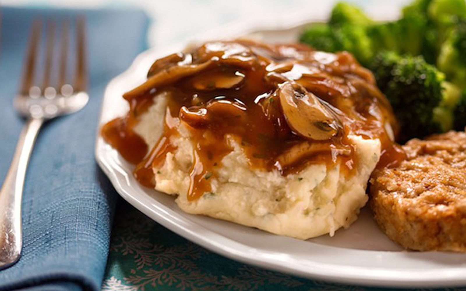 Easy mushroom gravy on mashed potatoes