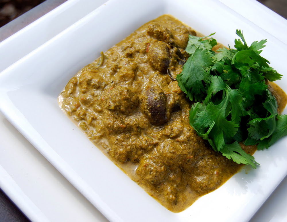 vegan Spinach 'Chicken' Curry
