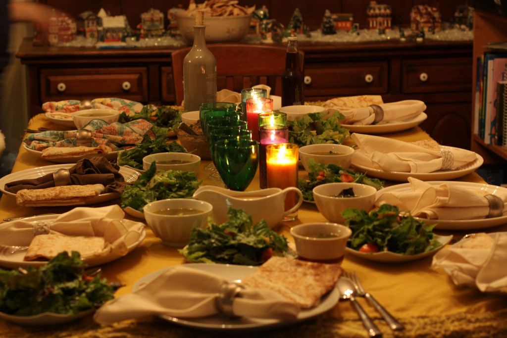 Holiday Dinner Leftovers for Your Dog: The Dos and the Don'ts